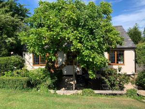 . Newton Farmhouse