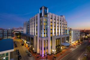 The Higgins Hotel New Orleans, Curio Collection By Hilton