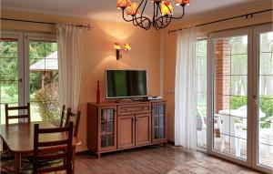 Beautiful home in Ladzin w WiFi and 3 Bedrooms