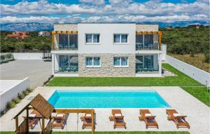 Stunning home in Vrsi w/ WiFi, Outdoor swimming pool and 4 Bedrooms
