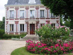 Location gîte, chambres d'hotes Le Manoir du Pont Cagé dans le département Essonne 91