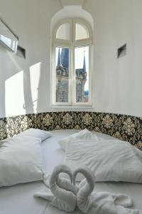 Amazing Charles Bridge Apartment