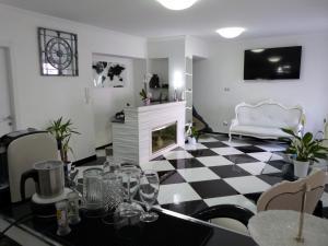 Clelia's Boutique Rooms & Suites