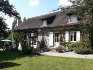 Accommodation in Saint-Hilaire-les-Places