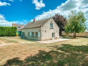 Location gîte, chambres d'hotes Cozy Farm House in Boncourt with Barbeque dans le département Aisne 2