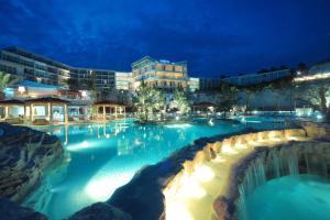 Amfora Hvar Grand Beach Resort, Отели  Хвар - big - 67