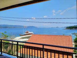Gianni's Apartment By The Sea Ammouliani Greece