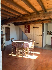 Accommodation in Salles-sous-Bois
