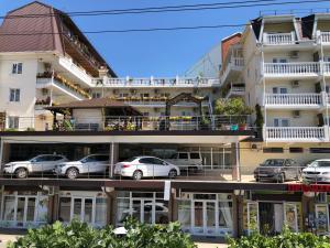 Отель Экватор