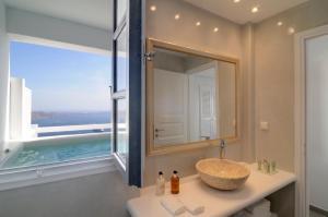 Aqua Mare Luxury Suites