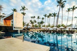 Романтический отель Secrets Royal Beach Punta Cana