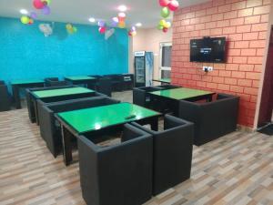 Mahavir Guest House & Food Court