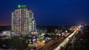Holiday Inn Cochin, an IHG hotel