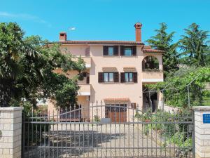 Apartment Liljana (PRC157)