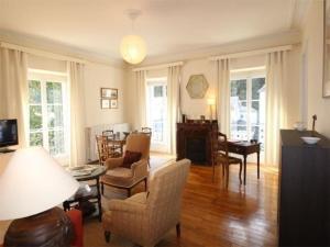 . Apartment Palais d'etigny 1
