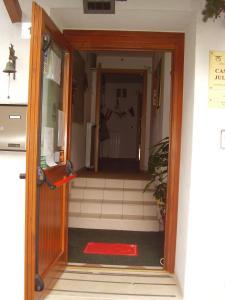 Rifugio Casa Alpina Julius Kugy, Hostely  Malborghetto Valbruna - big - 49