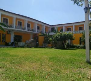 . Verdelis Inn