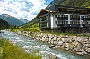 Hotel Modern Mountain - Accommodation - Ischgl