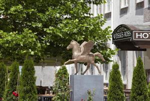 Hotel Weisses Ross - Kronburg