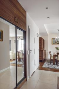 Empire Apartment by Renters Prestige