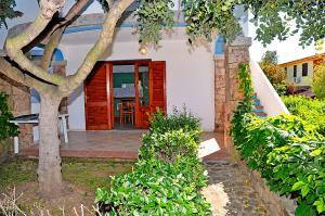 Two-Bedroom Apartment - Via Agammennone snc
