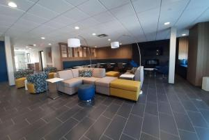 Microtel Inn & Suites by Wyndham Loveland - Hotel - Loveland Ski Area