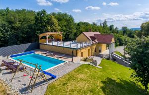 Stunning home in Bisag w/ Outdoor swimming pool, Sauna and WiFi