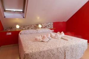 Ático con terraza en Graus-Pirineo de Huesca, Appartamenti  Graus - big - 6