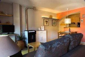 Ático con terraza en Graus-Pirineo de Huesca, Appartamenti  Graus - big - 13
