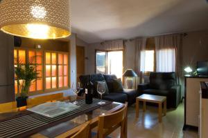 Ático con terraza en Graus-Pirineo de Huesca, Appartamenti  Graus - big - 15