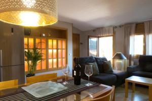 Ático con terraza en Graus-Pirineo de Huesca, Appartamenti  Graus - big - 16