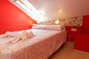 Ático con terraza en Graus-Pirineo de Huesca, Appartamenti  Graus - big - 24