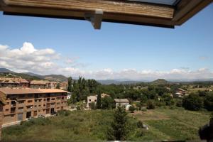 Ático con terraza en Graus-Pirineo de Huesca, Appartamenti  Graus - big - 26