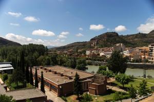 Ático con terraza en Graus-Pirineo de Huesca, Appartamenti  Graus - big - 35