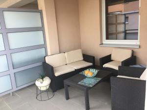 Słoneczny apartament z dużym balkonem w sąsiedztwie Parku