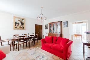 Classic apartment near the Colosseum - abcRoma.com