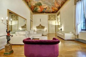 Palazzo Tolomei - Residenza D'Epoca - AbcAlberghi.com