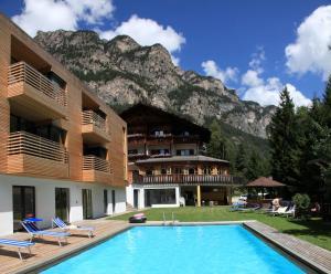 Hotel Piné - AbcAlberghi.com