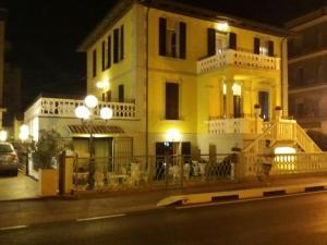 Hotel Villa Laura - AbcAlberghi.com