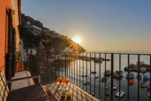Sea View Apartment in Marina Grande - AbcAlberghi.com