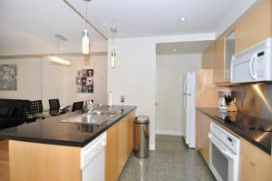 One-Bedroom Apartment Yonge Suites Furnished Apartments