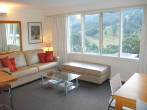 Thredbo Village 3-Bedroom Apartment with Fantastic Views