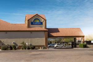 Days Inn by Wyndham Phoenix North