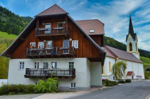 GRASSEGGER APPARTEMENTHAUS - Hotel - Sankt Johann am Tauern