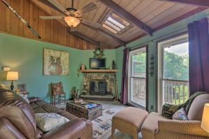 Ski Condo with Deck and View Half Mile to Beech Mtn!