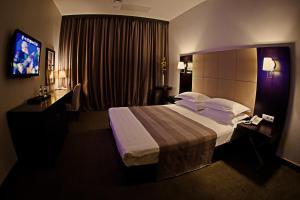 Voyage Hotel, Отели  Караганда - big - 36