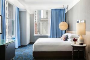 Kimpton Gray Hotel Chicago, an IHG Hotel