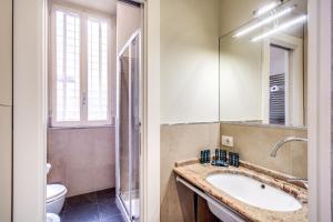 Holiday Apartment Bernini Near The Trevi Fountain - 5 Bedroom