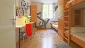 Tchaikovsky Hostel Split THostel