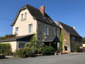 Location gîte, chambres d'hotes Le Manoir de la Vieille Douve dans le département Maine et Loire 49